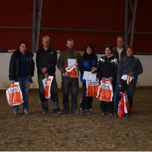 Klasse Elite fra venstre: Lisebeth Høyland, Anders Svare, Håkon Groven, Hilde-Brith Johnsen, Merethe Boneng, Svein Rønning (dommer), Anna Wedin