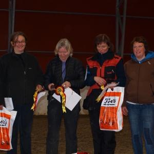 Klasse IIIfra venstre: Monica Hollevik, Solfrid Buvik, Marit Wang, Hege Gåsterud