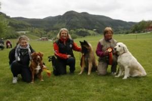Kl 2: Fra venstre: Siri Kildal Hansen, Torhold grevskott, Hanne Aabakken